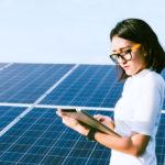 【維持費と廃棄の費用は?】太陽光発電に必要なメンテナンスと寿命